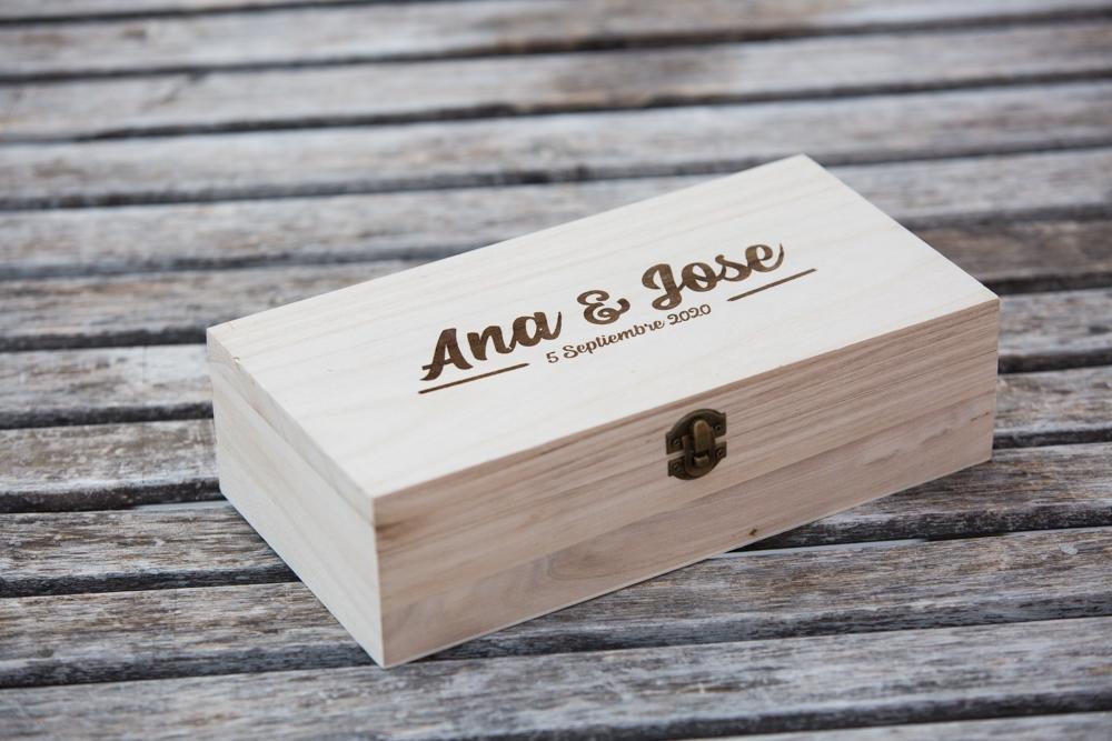 Caja de madera grabado laser con Diseño personalizado