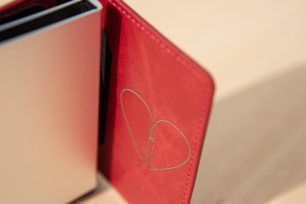 Tarjetero Smart de cuero Grabado a Laser – Cartera Personalizada