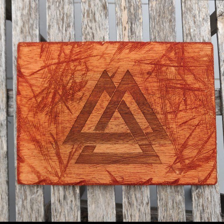 Valknut simbolo vikingo - Decoración vikinga en madera cuadro artesanal