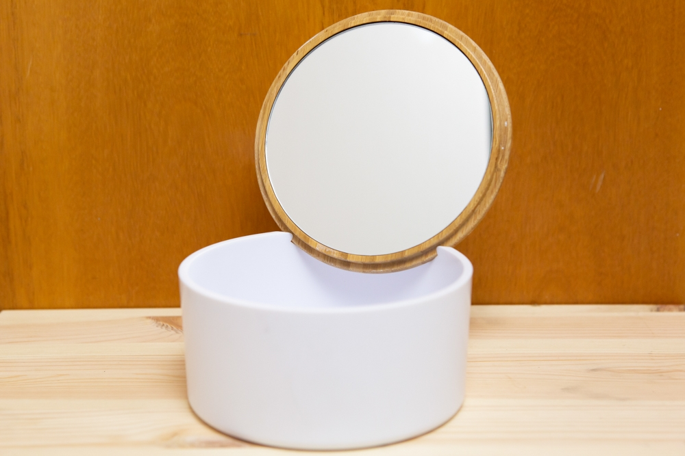 Joyero redondo con espejo personalizado con grabado a medida