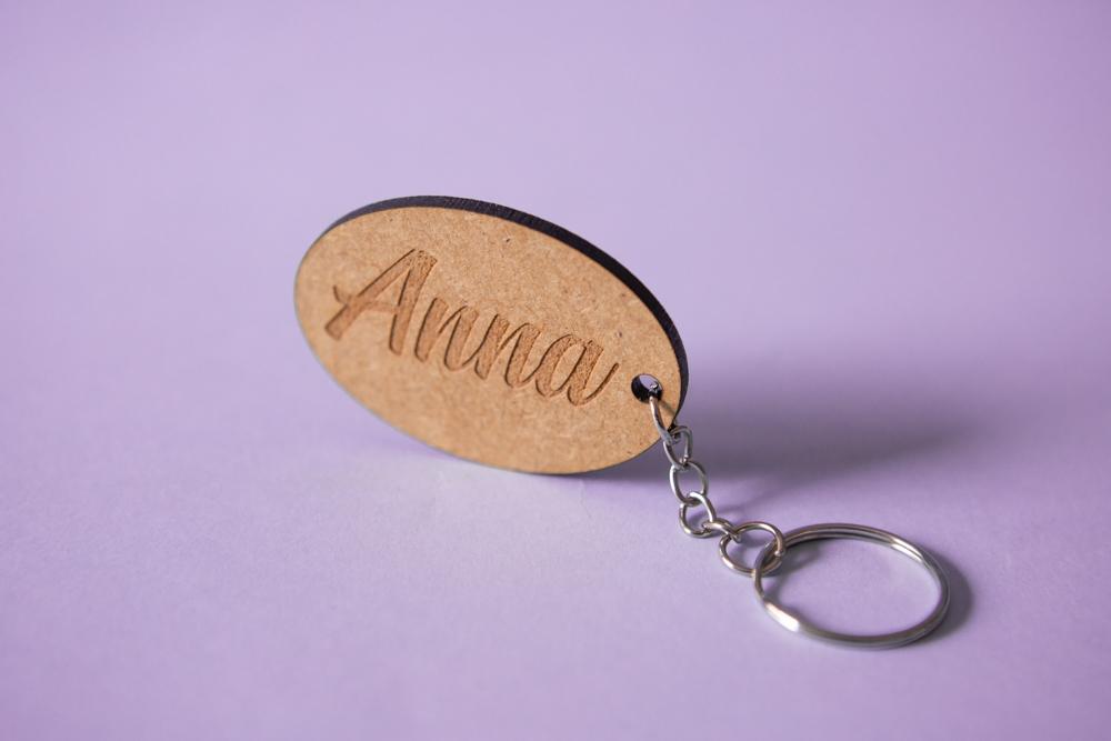 Llaveros de Madera personalizados con corte y grabado láser